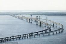 พบกับสะพานน่ากลัวที่สุดในโลกที่ผู้คนไม่กล้าขับรถเอง ต้องมีบริการช่วยพาข้าม