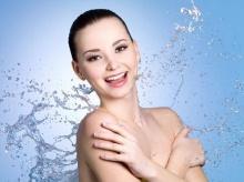 4 สเต็ปง่ายๆ ของการอาบน้ำเพื่อลดหน้าท้อง