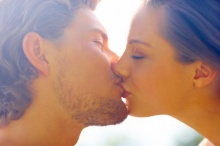 4 จูบนี้ต้องลอง ถ้าอยากสนุก