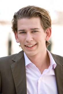 สาวกรี๊ด! รัฐมนตรีต่างประเทศออสเตรียคนใหม่  หล่อที่สุด อายุ แค่ 27 ปี