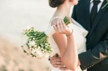 เซอร์ไพรส์สยอง!แหวนขอแต่งงานติดคอสาวเกือบตาย