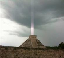 จริงหรือไม่ ภาพลำแสงปริศนาเหนือปิรามิดมายัน แท้จริงไม่ใช่เหตุอัศจรรย์