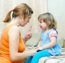 """""""เมื่อลูกร้องเอาแต่ใจ เราสั่งให้เขาเงียบหรือเปล่า?"""""""