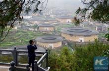 เคยเห็นไหม บ้านดินถู่โหลวของจีน