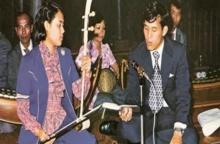 สมเด็จฯ ทรงโปรดเพลงลาวดวงเดือนมาก เคยรับสั่งให้พระบรมฯ ทรงขับร้อง พระเทพฯ ทรงดนตรี