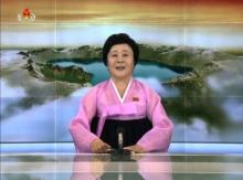 เธอคือใคร? ผู้ประกาศหญิงเกาหลีเหนือวัยอาวุโส เขย่าโลกทุกครั้งที่ออกจอ(คลิป)