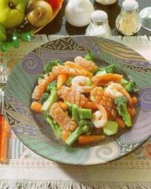 ปลาหมึกแช่ผัดผักบล็อคโคลี่-แครอท