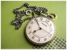 ทำไมเข็มนาฬิกาต้องหมุนวนขวา????