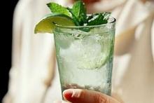 แนะเลี่ยงเมนูต้องห้าม กินผักดับร้อน-ดื่มน้ำให้ถูกวิธี