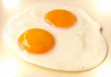 วิจัยชี้ ทานไข่แดงเสี่ยงโรคหัวใจพอ ๆ กับสูบบุหรี่