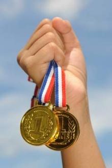 น้ำตาแทบไหล...เรื่องดีๆของอันจินเผิง เหรียญทองคณิตศาสตร์โอลิมปิคปี 1997
