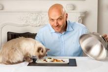 ขายเกลี้ยง! อาหารแมวมื้อหรู จานละพัน