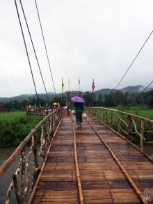 เที่ยวหน้าฝน แวะยลสะพานซูตองเป้ สะพานบุญแห่งความสำเร็จ