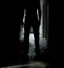คำสอนของบิล : 1. ความมืดในห้อง