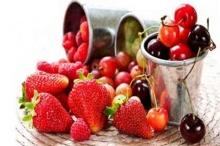 ชะลอวัยด้วยผลไม้สีแด๊งแดง