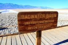 ทะเลสาบเกลือในอุทยานแห่งชาติเดธวัลเลย์ (Death Valley National Park)