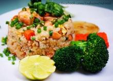 ข้าวผัดปลาแซลมอน อร่อยง่ายๆ สไตล์ญี่ปุ่น