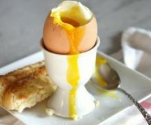 มีอาการท้องผูก ไข่ลวก ช่วยได้
