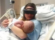 ซึ้งที่สุด! แม่ตาบอดเห็นหน้าลูกครั้งแรกผ่านแว่นตาสุดไฮเทค
