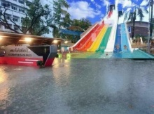น้ำท่วมอย่าเครียด!! รวมภาพตัดต่อล้อเลียน แข่งพายเรือ-สวนน้ำ
