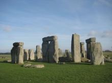 """""""สโตนเฮนจ์"""" กองหินมรดกโลกอายุกว่า 5,000 ปี และยังตั้งตระหง่านจนถึงทุกวันนี้"""