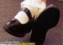 ไหน ไหน มาดูซิ สาว ๆ ฮอลลี่วูดเค้าฮิตรองเท้าอะไรกัน