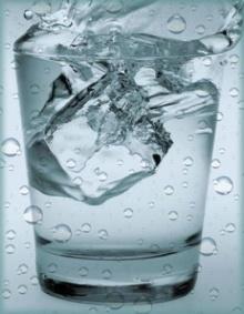 ดื่มน้ำเย็นๆ หลังอาหาร ไม่ดีแน่ค่ะ