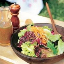 สลัดผักออร์แกนนิคกับน้ำสลัดมะเขือเทศสด