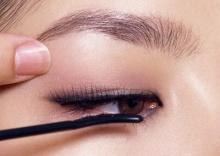 10 เคล็ดลับ ปัดขนตาให้งอนสวย