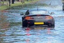 สิ่งที่ควรปฏิบัติหลังจากขับรถยนต์ลุยน้ำ