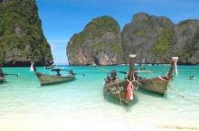 สถานที่สุดโรแมนติก 'บอกรัก' วันวาเลนไทน์ : เติมรัก ที่ อ่าวมาหยา แห่งเกาะพีพี  กระบี่