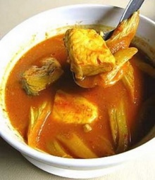 แกงเหลืองปลากะพงใส่คูน