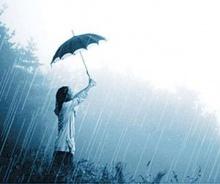 เตือนหน้าฝนขับจยย.กางร่มเสี่ยงถึงตาย