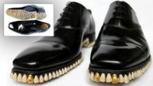 ฮือฮา ดีไซเน่อร์สุดฉีกแนวผลิตรองเท้าเป็นฟันมนุษย์