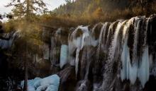 อากาศหนาวจัด น้ำตกกลายเป็นน้ำแข็ง ที่มณฑลเสฉวน