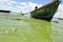 ทะเลสาบเขียวมรกต สวยแฝงพิษ ห้ามลงเล่นน้ำเชียว