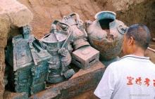 นักโบราณคดีจีนขุดพบชุดเกราะโบราณ 3 พันปี