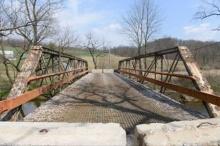 ประมูลขายสะพานเก่า อายุ 117 ปี ไม่ปลอดภัยแต่ทุบทิ้งไม่ได้