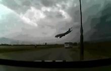 เผยภาพนาทีมรณะ เครื่องบิน โบอิ้ง สหรัฐฯ ตกใน อัฟกานิสถาน