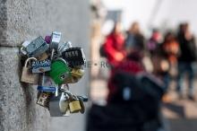 รวมภาพสถานที่ เลิฟ ล็อคส์ ทั่วโลก ล็อคความรักให้มั่น รักกันจนวันตาย
