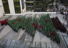 เด็กไทยแปรรูปคริสต์มาสทำลายสถิติโลก
