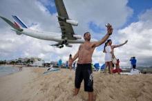 ชายหาดที่จะทำให้คุณ เซลฟี่กับ เครื่องบิน ได้ในระยะประชิด!