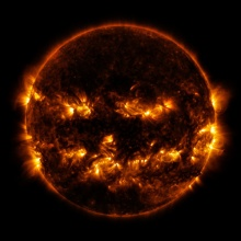 นาซ่า ปล่อยภาพ ดวงอาทิตย์ที่คล้ายฟักทองปีศาจ ต้อนรับฮาโลวีน