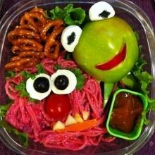 ผักและผลไม้ มาแต่งเป็นตัวการ์ตูนสุดน่ารัก