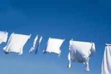 ซักเสื้อนักเรียนให้ขาว รับเปิดเทอม