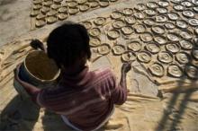 อยากรู้ไหม 'เค้ก' ของชาวเฮติ ทำมาจากอะไร  เพราะเรามีคำตอบมาให้คุณแล้ว