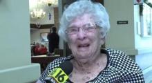 เมื่อคุณยายอายุ 100 ปีถูกถามถึงเคล็ดลับอายุยืน...เธอกลับตอบว่า ดื่มเหล้า น่ะสิ!!!