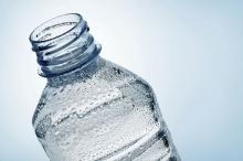 ภัยใกล้ตัว!! 3 ข้ออันตรายควรรู้ก่อนที่จะนำขวดน้ำเก่ากลับมาใช้ใหม่