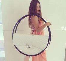 สวยอลังการ!!! สาวๆสนไหม กระเป๋ารุ่นใหม่จากแบรนด์หรู Chanel