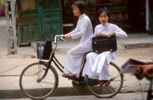 การสอนหนังสือของครูเวียดนาม น่าสนใจมากค่ะ เขาจะให้การบ้านเด็ก วันละ 5 ข้อ